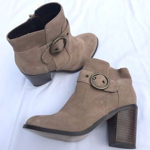 soel socity buckle ankle boots